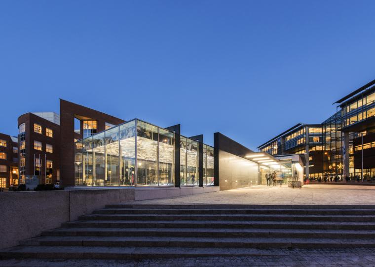 挪威尼德伦地铁站扩建