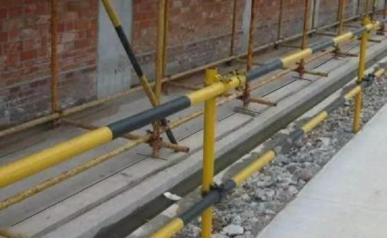 脚手架和踢脚板为什么要刷成黄色和黑色的呢