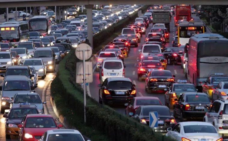 中国大叔发明新式立交桥,通行效率提高10倍,交通拥堵迎刃而解!