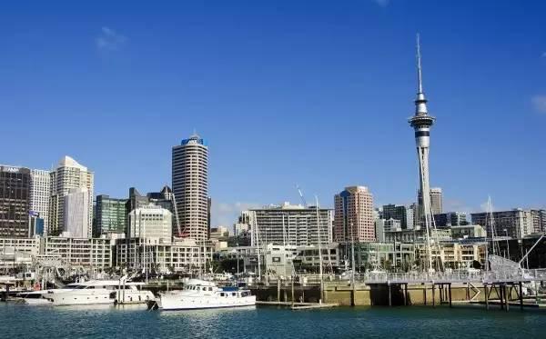 全球50个地标性建筑,认识10个就算你合格!-天空塔(新西兰·奥克兰).jpg
