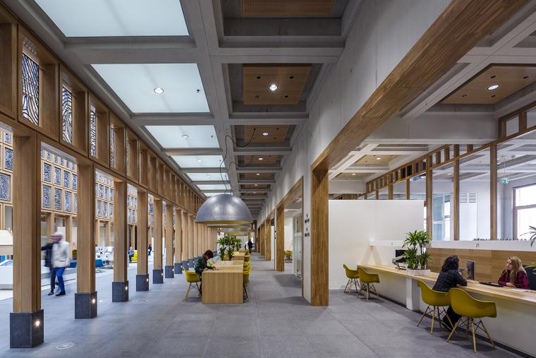 全新代芬特尔市综合体建筑内部实景图 (7)