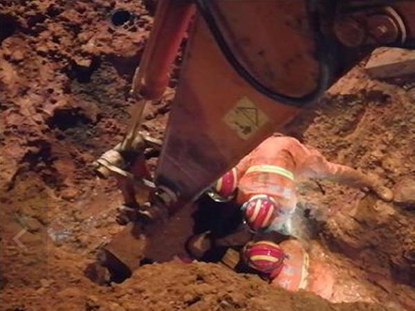 安徽芜湖一施工道路塌方,被埋工人遇难