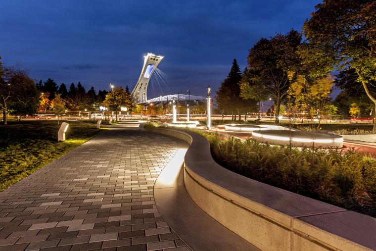 象征生命的Guido-Nincheri公园外部夜景实景图 (8)