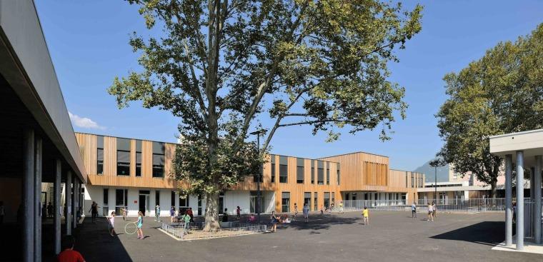 法国Beauvert 现代化校园