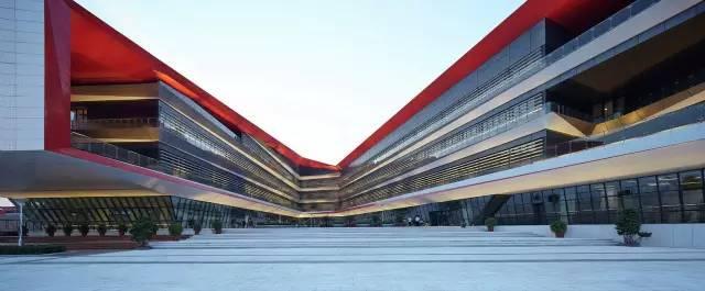 建筑里的中国红!