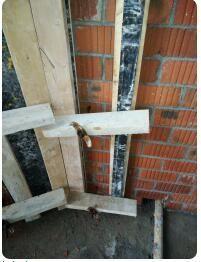 多孔砖允许开洞穿对拉螺栓吗