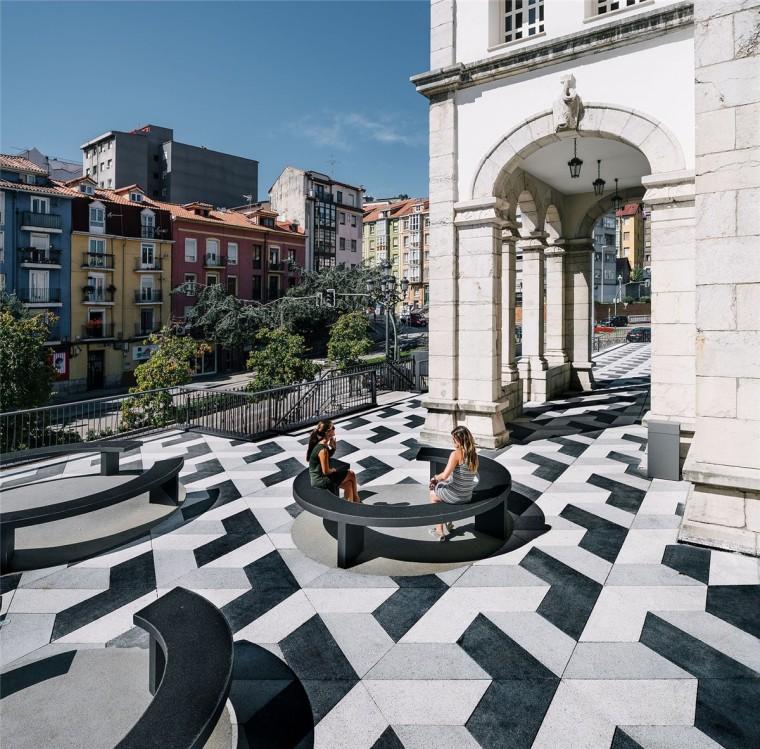 西班牙Puertochico广场