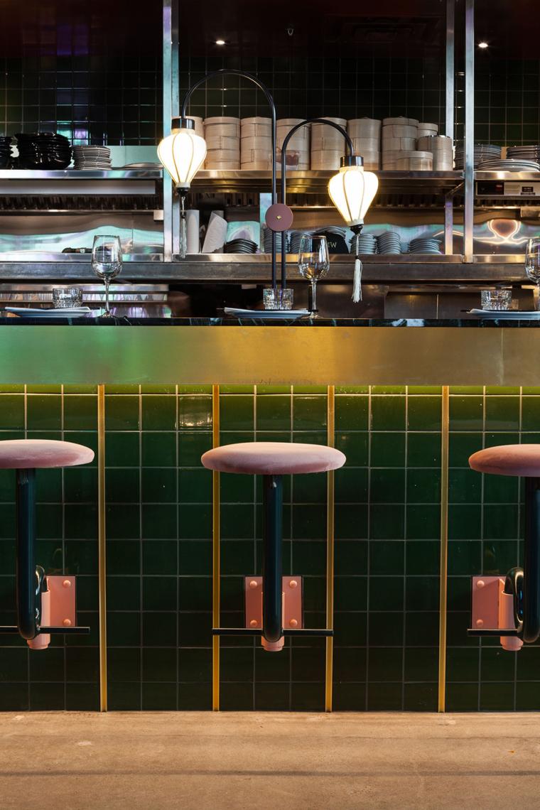 加拿大MissWong中餐厅-022-miss-wong-restaurant-by-menard-dworkind-architecture-design