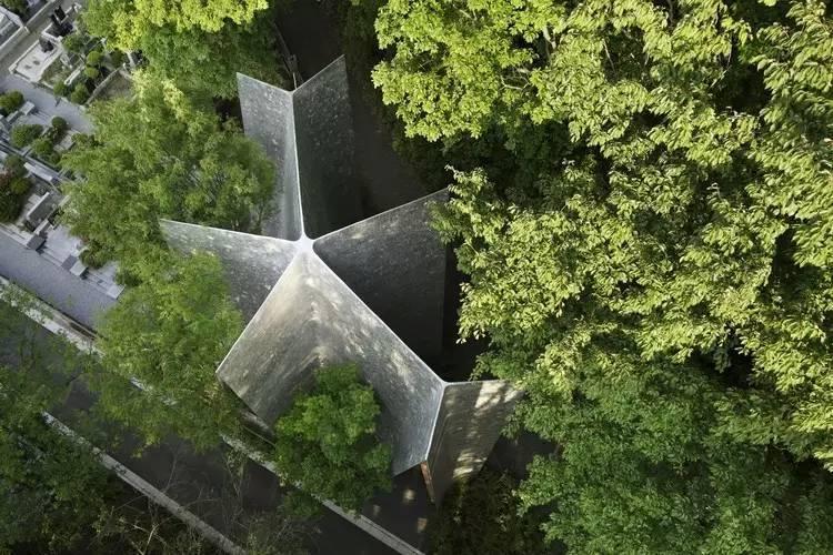 创意还是奇葩?来看看日本这些让人眼前一亮的建筑!_24