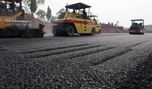沥青混合料的生产、运输、摊铺、碾压和养生