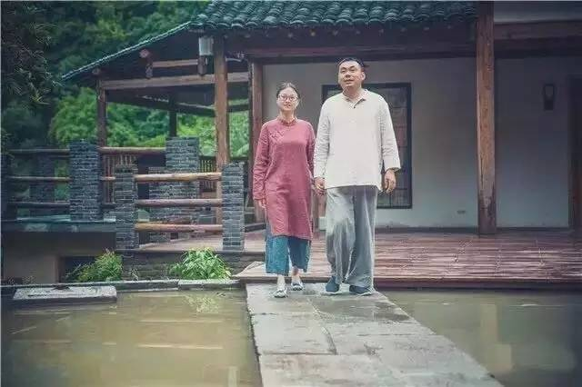 夫妻俩深山里改造2栋老宅,看完想在这里住一辈子