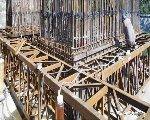 还分不清桥梁高墩滑模、爬模、翻模施工?图文给你一次说明白