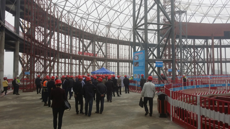 西北跨度最大穹顶网架项目西安华夏演艺剧场钢结构主体完工