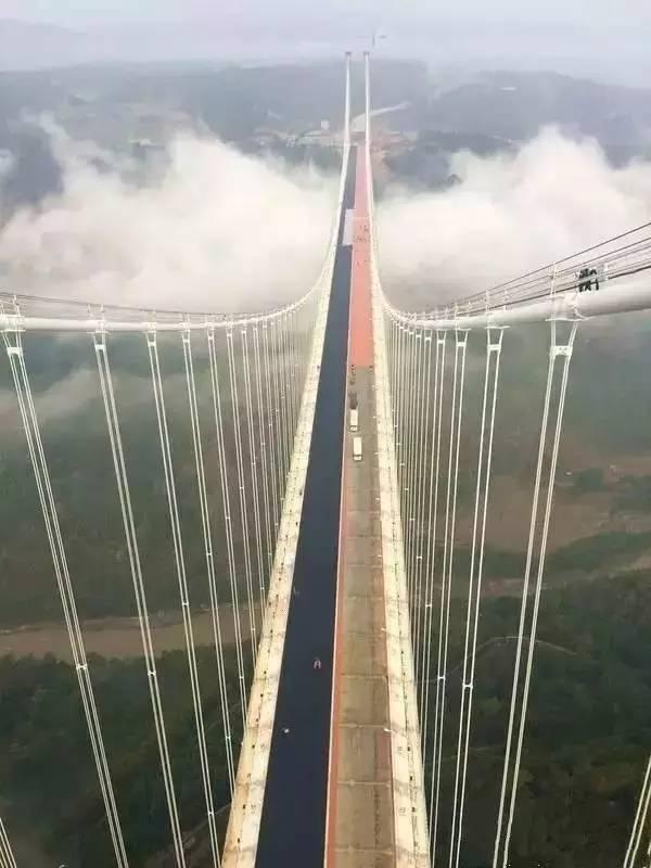 """""""亚洲第一大桥""""通车了,美国专家惊呆了!云雾浩渺,太壮观了_2"""