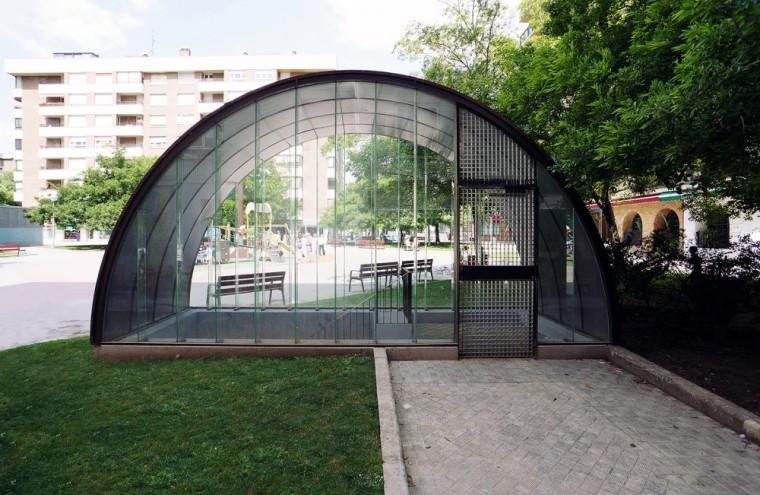 西班牙SanJuanBosco广场上的遮蓬_3