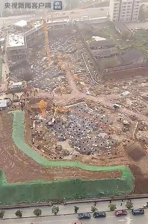 [救命指南]工地塔吊垮塌致1死1伤激起塔吊安全保障指南的重要性