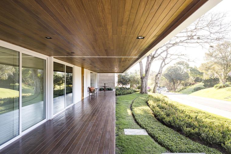 结构与空间融合的JardimdoSol住宅-8
