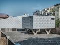 外表柔软的混凝土建筑:DOX+ 当代艺术中心 / Petr Hajek Archite