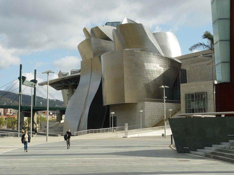 西班牙比尔堡:古根海姆博物馆   一个超级脑洞大开的设计