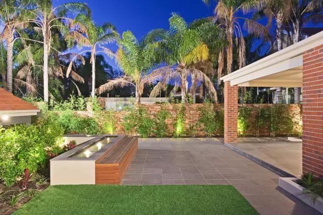 赶紧收藏!21个最美现代风格庭院设计案例_34