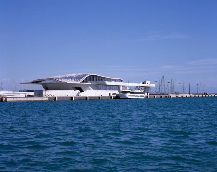 意大利萨勒诺海运码头建筑
