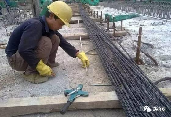 预应力T梁预制与施工技术方案实例