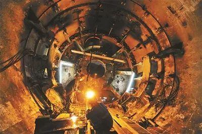 厉害了!地铁隧道原来是这么挖出来的……_12