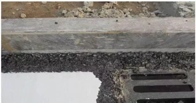 市政道路工程质量通病防治手册_50