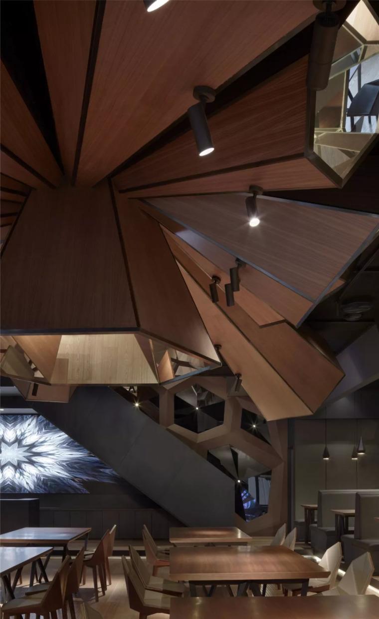 北京蓝色港湾花酷餐厅设计案例欣赏_5