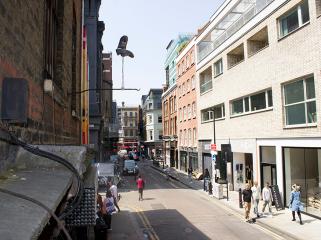 英国街头的反重力装置艺术