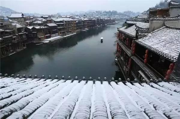 当最美的古镇下了雪,简直惊艳了整个冬天_18