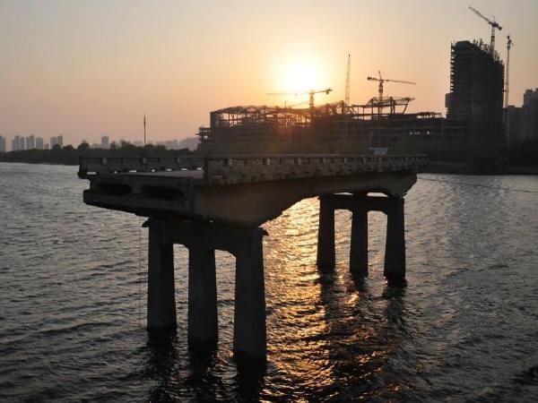 [重庆]45m混凝土箱梁现浇贝雷梁工字钢钢管柱桩基础支架施工安全专项方案73页