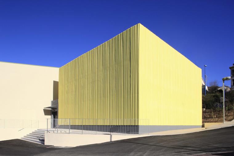 法国方盒子体育馆