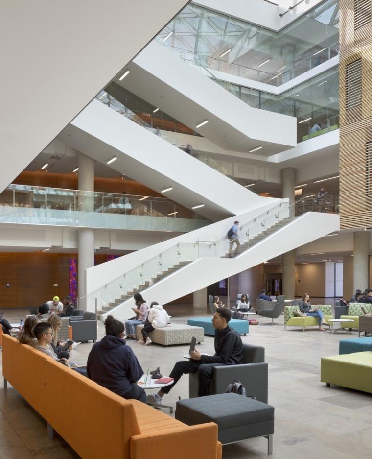 劳里埃大学拉扎里迪斯大楼内部实景图 (8)