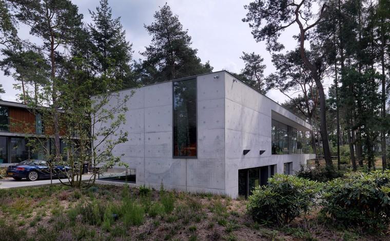 荷兰混凝土板组成的Zeist住宅-00