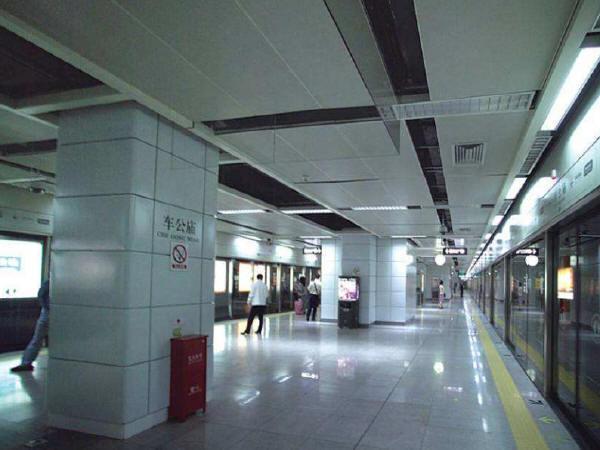 小体量•大建筑——浅谈地铁出入口的形式问题