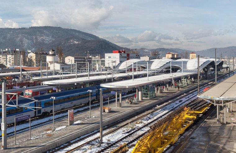 奥地利格拉茨火车站重建_3