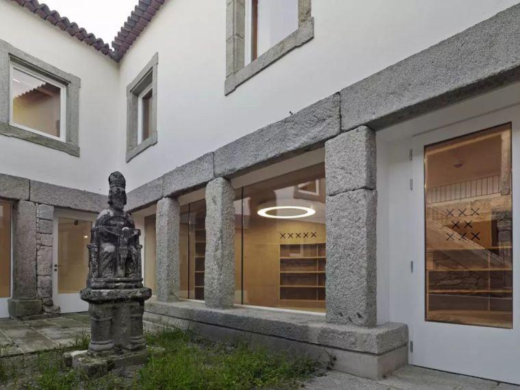 历史的朝圣|拜奥纳公共图书馆_5