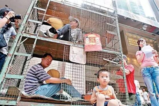 """没见过香港的""""棺材房""""都不知道我们住得多幸福_32"""