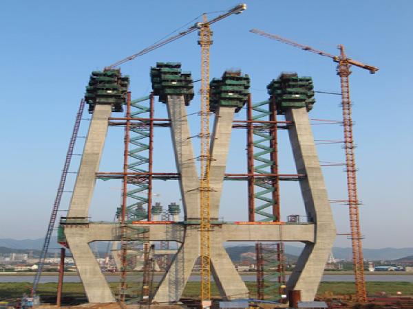 甬江特大桥索塔施工塔吊选型及布置