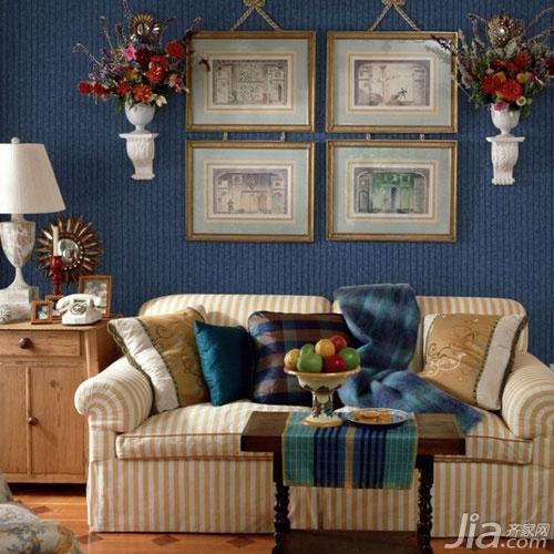 客厅背景墙也爱耍大牌你家客厅hold住吗?-客厅背景墙也是一种陈列展示墙,悬挂一组这样的老照片很有怀旧的味道,复古的大牌时尚感立刻就显现啦。