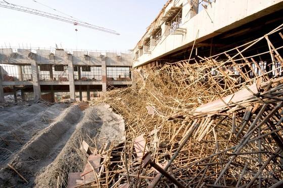 建筑工程常用模板支架安全技术培训(安全事故照片)