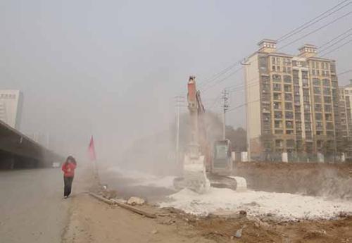 """陕西城际铁路机场专线项目 26家工地扬尘污染上""""黑名单"""""""