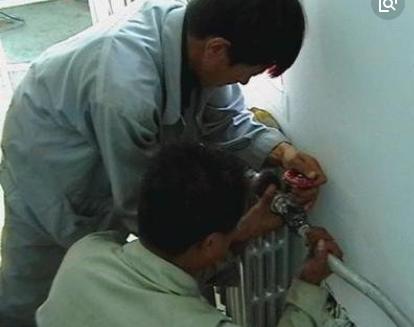 学生宿舍楼、后勤保障楼采暖工程暖气安装施工方案