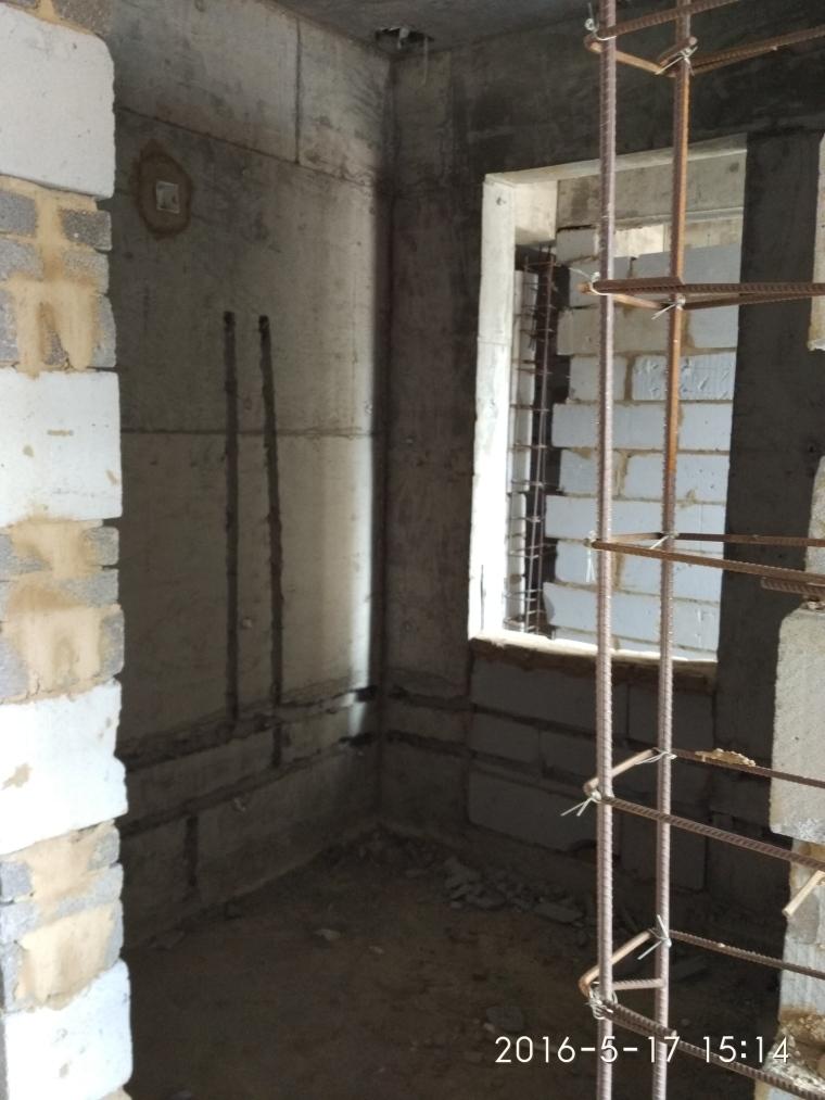 这房子窗子下面对应的这小堵墙能拆吗?想连窗子一起打掉-967ECBDFF9AC02384B0E9996A28D3A9A.jpg