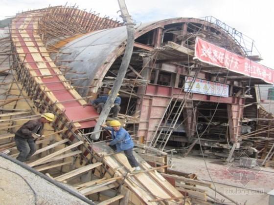 隧道出口帽檐斜切式洞门施工技术