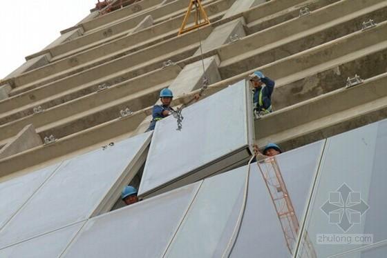 [湖北]玻璃幕墙工程单元板块吊装施工专项方案(龙门吊)