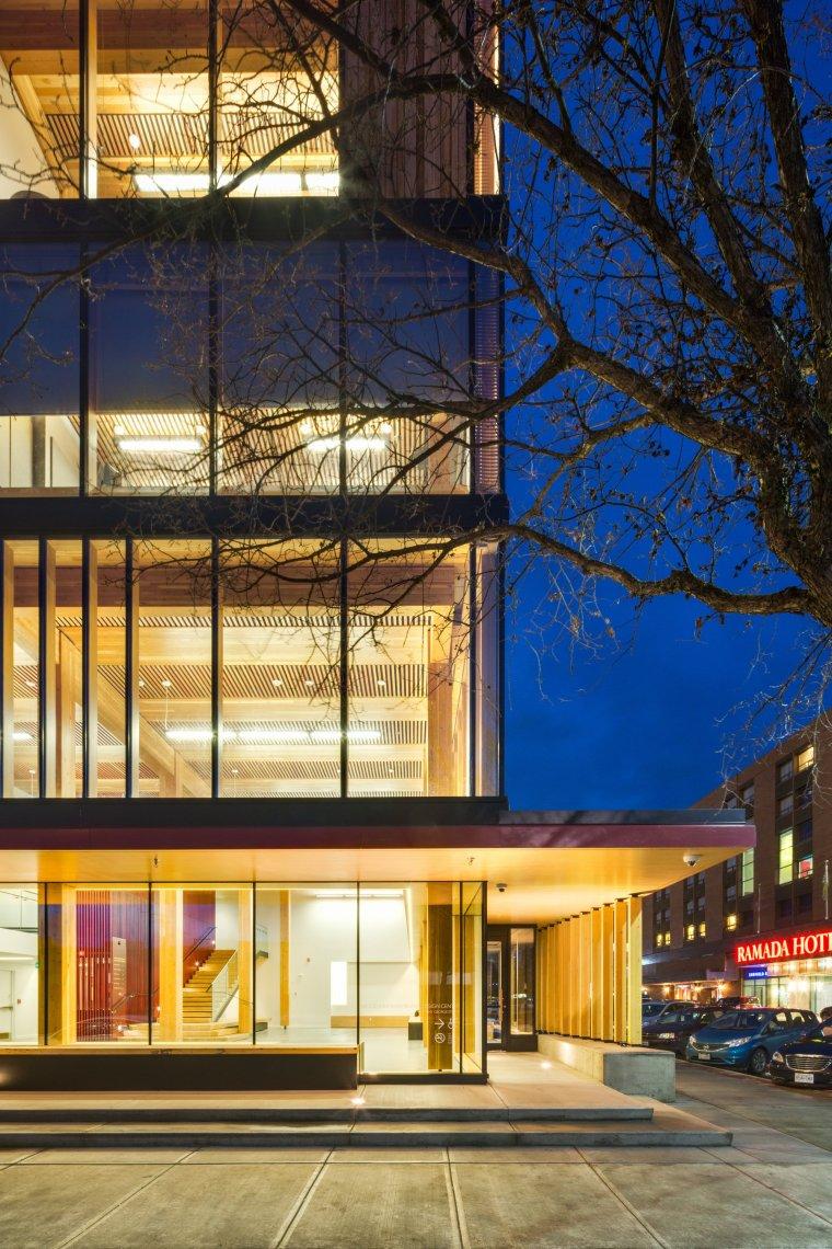 加拿大木制创新设计中心_3