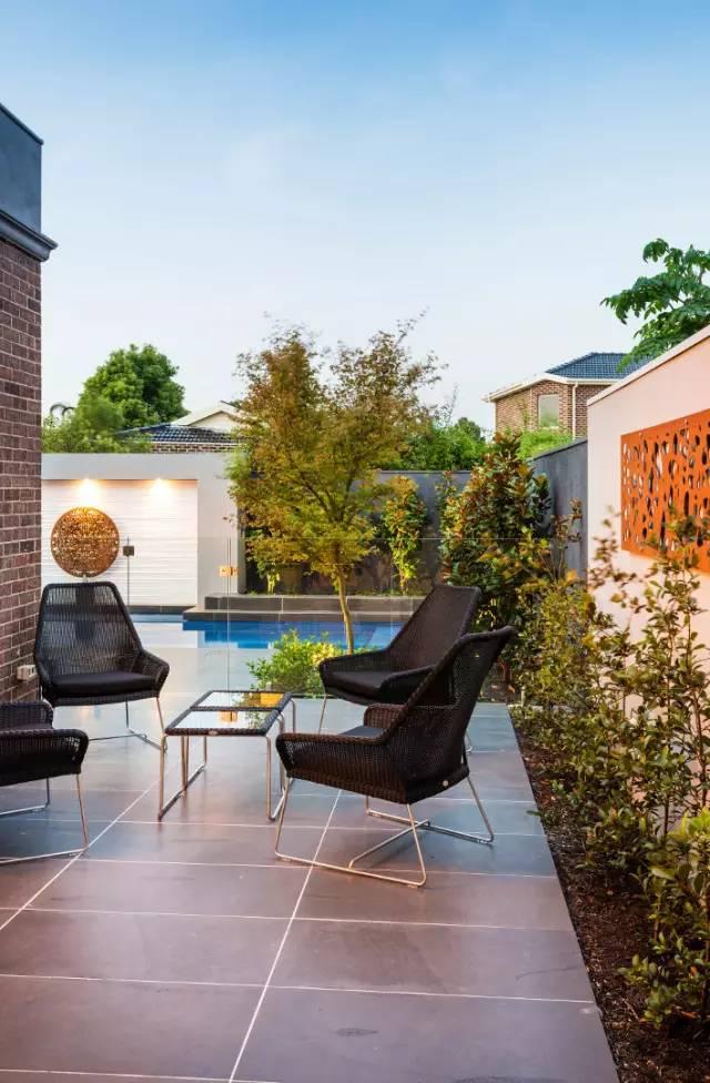 赶紧收藏!21个最美现代风格庭院设计案例_95