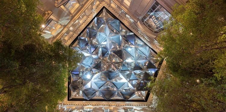 福斯特建筑事务所设计苹果香榭丽舍大街店,对巴黎老公寓翻新改造